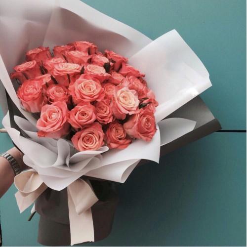 Купить на заказ Букет из 31 розовой розы с доставкой в Сарыагаше