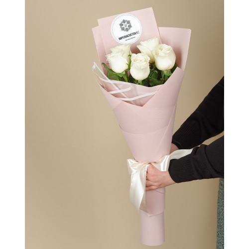 Купить на заказ Букет из 5 роз с доставкой в Сарыагаше