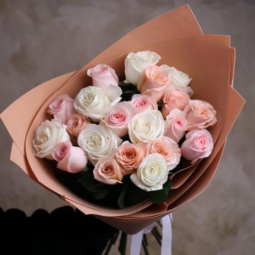 Купить на заказ Букет из 21 розы (микс) с доставкой в Сарыагаше