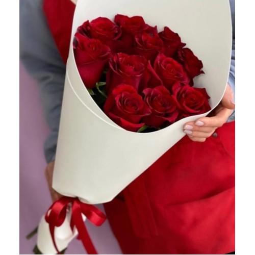Купить на заказ Букет из 11 красных роз с доставкой в Сарыагаше