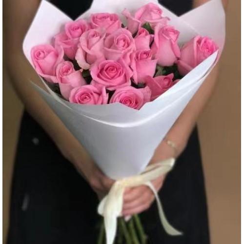 Купить на заказ 15 розовых роз с доставкой в Сарыагаше